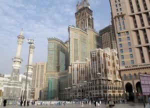 bangunan_pencakar_langit_di_sekitar_masjidil_haram_101122182547